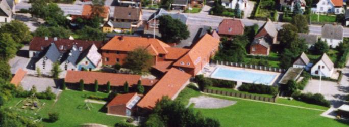 Ugerløse skole, luftfoto fra 1992