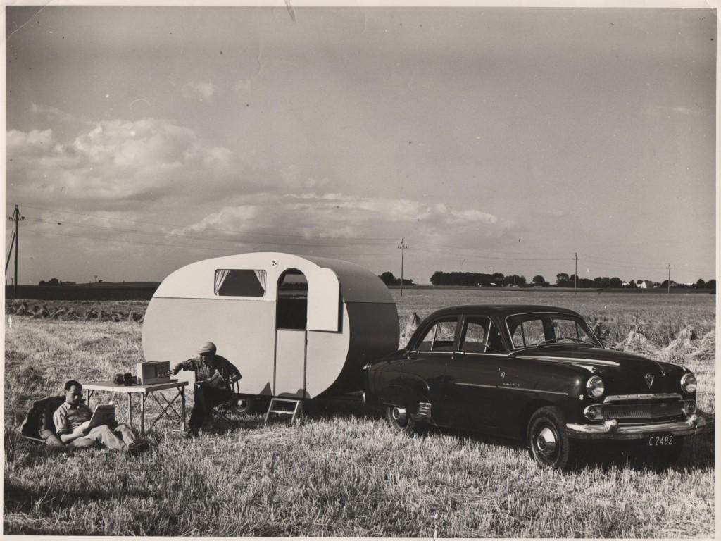 Campingvogn på mark