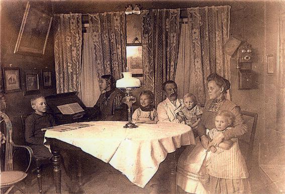 Bagermesteren i hjemmet med familie