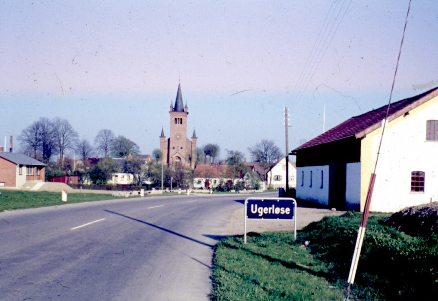 kirken set fra Østrupvej