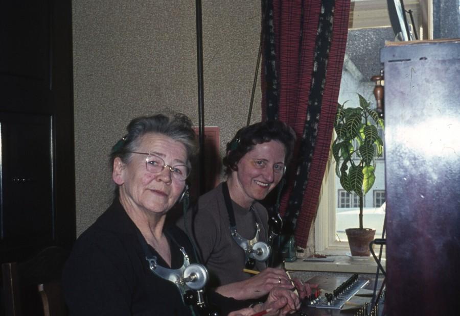 Fru Jensen Centralbestyrer og Gerda Jensen (Tlf. til dig) Hovedgaden