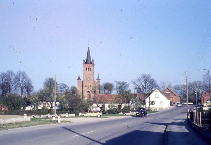 Kirken fra Østrupvej