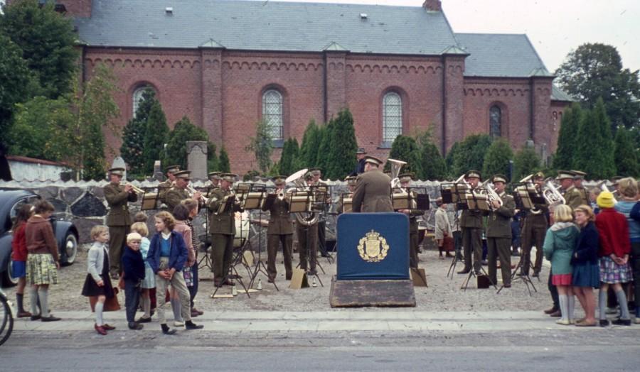Militærmusik ved kirken