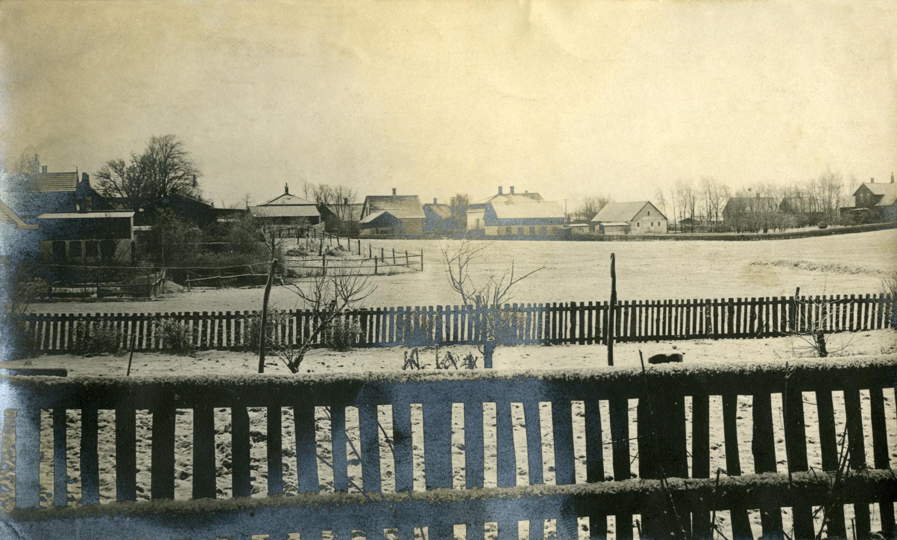 Bonderupvej set fra bagsiden af Hovedgaden 23 (Mejeriet Birkholm) ex. Grethe Rink (f. Sværregaard)